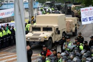 사드 장비 성주골프장 반입 마무리…경찰력 일부 철수