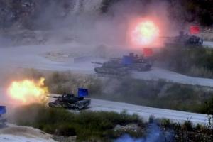 [서울포토] '불꽃 발사'… 통합화력 격멸훈련  M1 전차