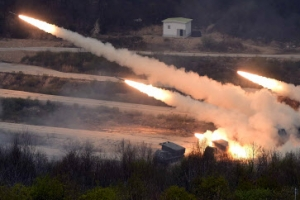 K9 자주포·전투기 불 뿜자 '미사일기지' 초토화