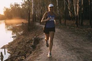 [스포츠&스토리] 40일간 40개 마라톤 '철녀'… 물의 소중함 전한 1687㎞