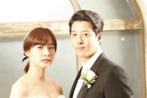 """이동건-조윤희 """"오늘 결혼식 올렸습니다"""""""