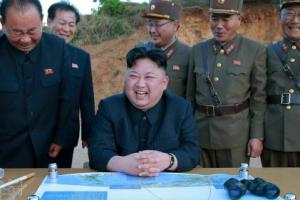 김정은, 핵·미사일 '마이웨이' 선언…목표는 '협상 주도권'