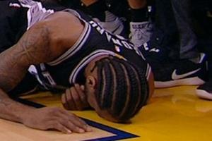 "[NBA] 또 다치며 역전패 빌미 레너드 ""자라 의도하지 않았을 것"""