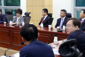 """한국당 초선 의원들 """"복당과 징계 문제 더 거론해선 안 돼"""""""