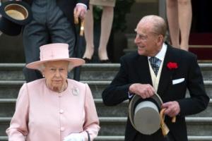 [포토] 가든 파티 참석한 영국 여왕 부부