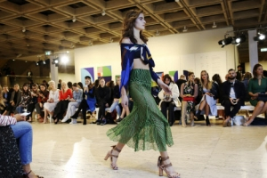 [포토] 시드니 메르세데스 벤츠 패션 위크에서 런웨이를 걷는 모델