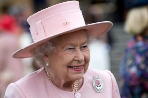 [포토] 미소 짓는 영국 여왕 엘리자베스 2세