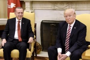[포토] 트럼프 미국 대통령과 에르도안 터키 대통령 '어색한 만남?'