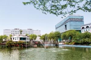 [LINC+, 대학이 미래 바꾼다] 의·치·약·한·로스쿨 보유한 한강 이남 유일의 종합대…