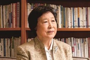 제25회 공초문학상 김후란 시인