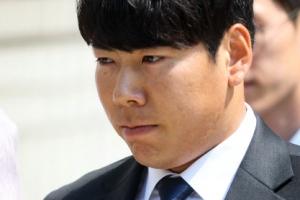 강정호, 이대로 방출?... 현지 지역언론, 가능성 첫 언급