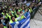 그리스 노동자들 추가 긴축…