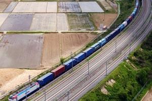 총길이 1.2㎞ 80량짜리 화물열차