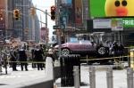 뉴욕 타임스스퀘어에 차량…