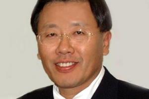 盧 이어 文까지… 송인성 교수 '대통령 주치의 2관왕'