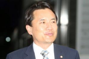"""1심서 당선무효형 선고받은 김진태 """"정권 바뀐 게 실감난다"""""""