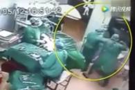 수술 도중 여 간호사 폭행한 중국 의사, 이유가?