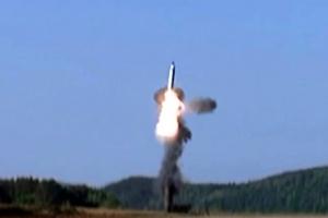 """군 """"북한 미사일 발사, 고도 120여㎞…대북정책 전환 압박 의도"""""""