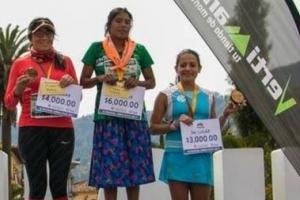 멕시코 타라후마라 부족 여인 샌들만 신고 50㎞ 울트라마라톤 우승