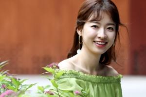 [포토] 이시아, '첫사랑'처럼 풋풋한 청순 미모