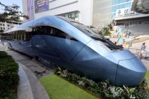[포토] 신형 동력분산식 고속열차의 매끈한 자태