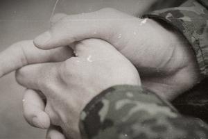 '동성애자 색출 논란' 속 군사법원, 동성애자 장교에 유죄 선고