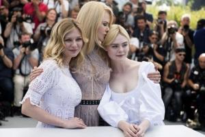 [포토] 칸 영화제, 사랑스러운 세 여인에 '매혹당한 사람들'