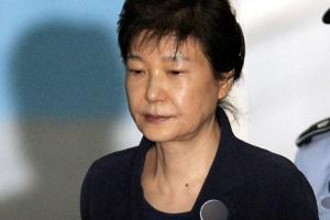박 전 대통령, 사복에 '올림머리'…오늘 '나홀로' 2차 공판