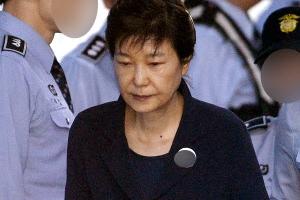 박근혜 재판 생중계할까…대법원, 판사들 설문조사 나서