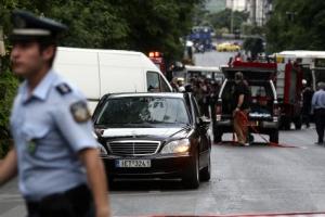 그리스서도 테러?... 파파데모스 그리스 前총리 차량 폭발로 부상