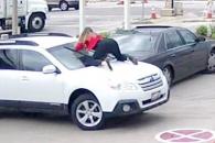 """""""내차 안돼!""""… 차에 올라가 필사적으로 절도 막은 …"""