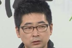 """탁현민 """"내 성적 판타지는 임신한 선생님"""" 다른 저서도 논란"""