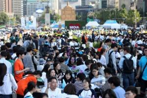 서울시민 3000명이 짜낸 미세먼지 해법은 '사대문 내 노후차량 제한'