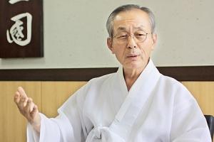 """[인터뷰 플러스] '인간 퇴계' 배우기 10년… """"배움이 많은 곳에 몸이 있다"""""""