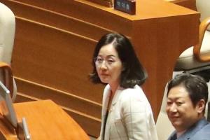 한국당 김현아 의원, 이낙연 반대당론 속 홀로 '찬성' 투표