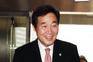 [서울포토] 국회찾은 청와대 참모진들