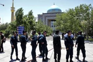 이란 정치·종교성지서 자폭 테러… IS '시아파 심장' 노렸다