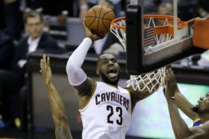 [NBA 파이널] 클리블랜드, 골든스테이트 PO 16연승 저지…르브론 트리플더블