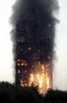 런던 27층 아파트서 큰 불…