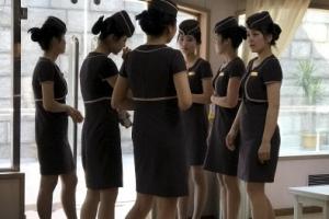 [포토] 북한 대동강 유람선 여직원들의 단아한 자태