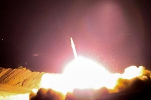 """이란 혁명수비대 시리아로 미사일 발사…""""IS 근거지 향해 응징"""""""
