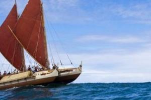 폴리네시아 전통 카누로 3년 만에 세계 일주 '불가능을 현실로'