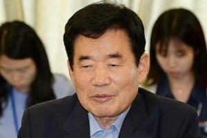 """김진표 """"인사청문제도, 조정할 필요 있다"""""""