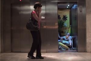 엘리베이터 안 엉뚱한 상황극, 시민들 반응은?