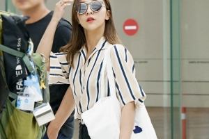 f(x) 루나, '개념' 공항 패션 화제…'루나 에코백' 보니
