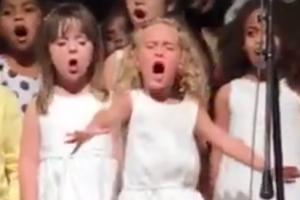 혼신의 힘 다해 노래하는 4살 소녀 화제