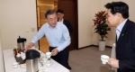 문재인 대통령 '커피는 …