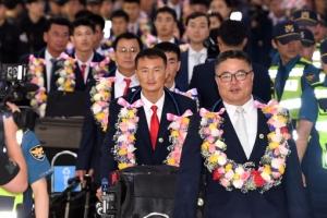 [서울포토] 입국하는 북한 태권도 시범단