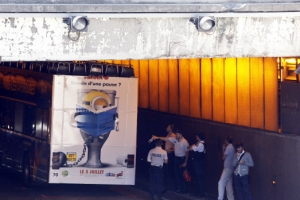 프랑스 파리서 2층 관광버스 다리와 충돌해 관광객 4명 '중경상'