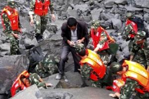 쓰촨성 산사태서 부모 살린 '아기 울음소리'